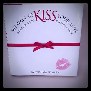 365 ways to KISS 💋 your love book